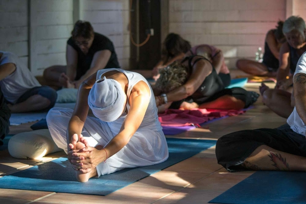 Intensive Yoga Teacher Training - BeYogui Event - https://beyoguievent.com/yoga-teacher-training-spain/