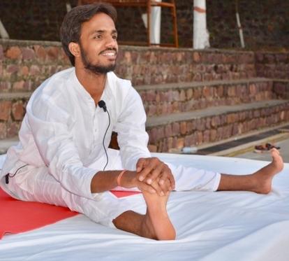 Vimal Pandey Yoga Instructor - www.beyoguievent.com